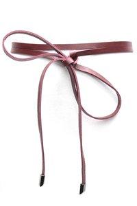 Knoop riem van bordeaux rood leder 019